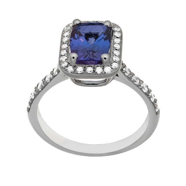 Bague en or  18 carats sertie d'une tanzanite pesant 1,48 caratet de diamants.