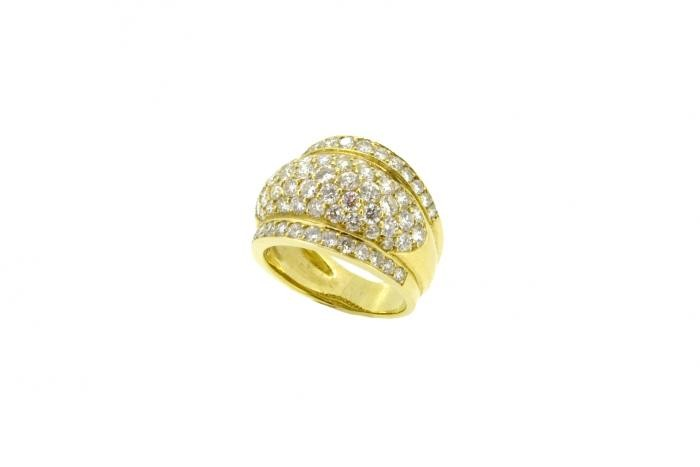 BAGUE SERTI DIAMANTS