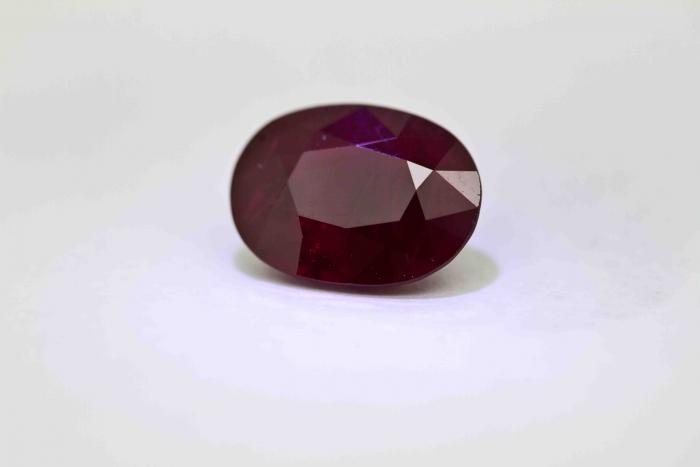 RUBIS 2.13 carats de BIRMANIE certifié CGL