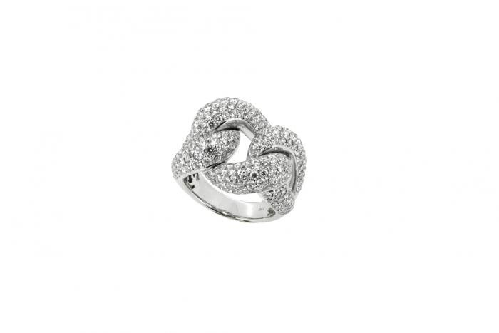 Bague or blanc sertie de diamants