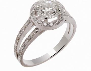 Bague solitaire diamants entourage