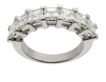 DEMI ALLIANCE SERTIE DE SEPT DIAMANTS CARRES POUR UN PODS DE 2,89 CARATS