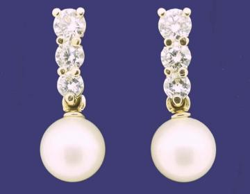 Boucles d'oreilles perles de culture et diamants en or 18 carats