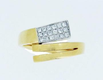 Bague or jaune sertie de diamants