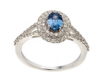 Bague saphir clair entourage diamants