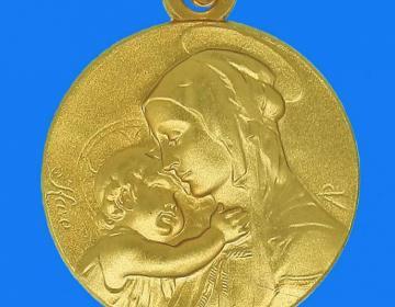 VIERGE A L'ENFANT en or 18 carats d'un diamètre de 20 millimètres