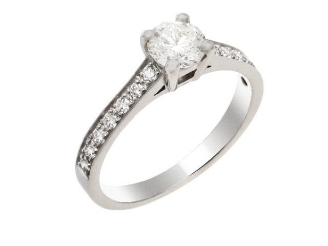bague de fiancaille solitaire diamants or gemmes