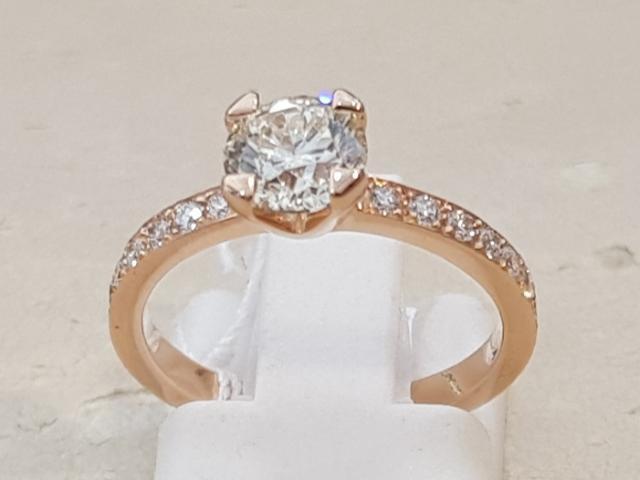 Nouveau solitaire or rose18 cts et diamants  chez Or-Gemmes votre joaillier à Paris
