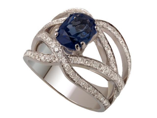 Bague sertie un saphir non chauffe et diamants or gemmes