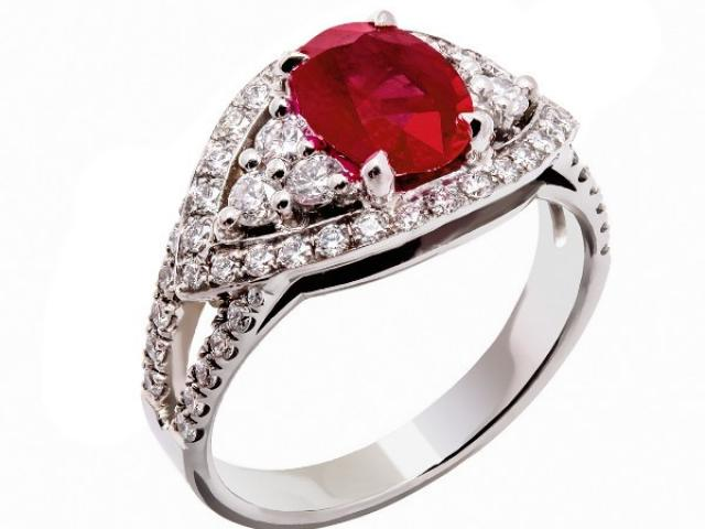 bague rubis et diamants or 18 carats Or-Gemmes