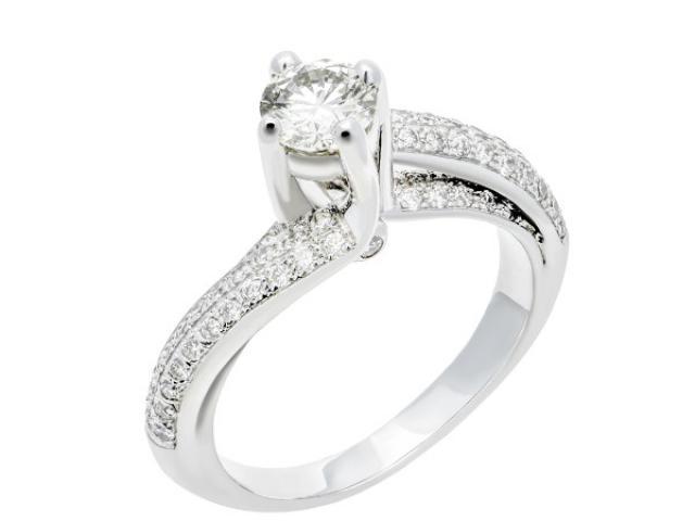 La fluorescence dans les diamants, les conseils d'un professionnel