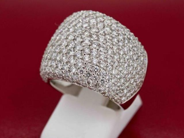 Bague jonc sertie de 3.89 carats de diamants
