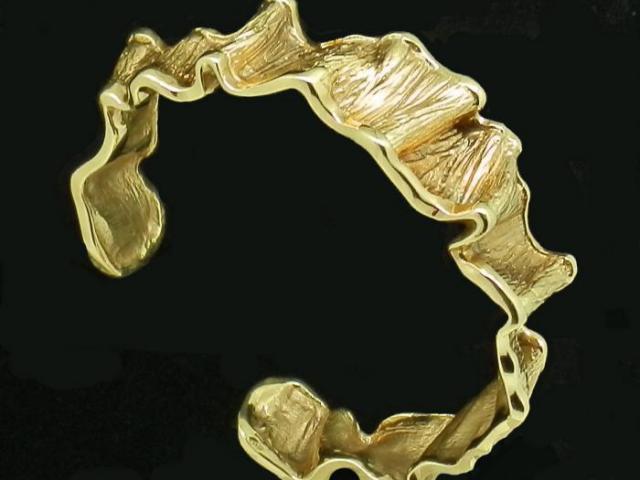 Bracelet sculpté or massif